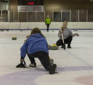 Juniorer til ny sport i Aaruhs Curling Klub
